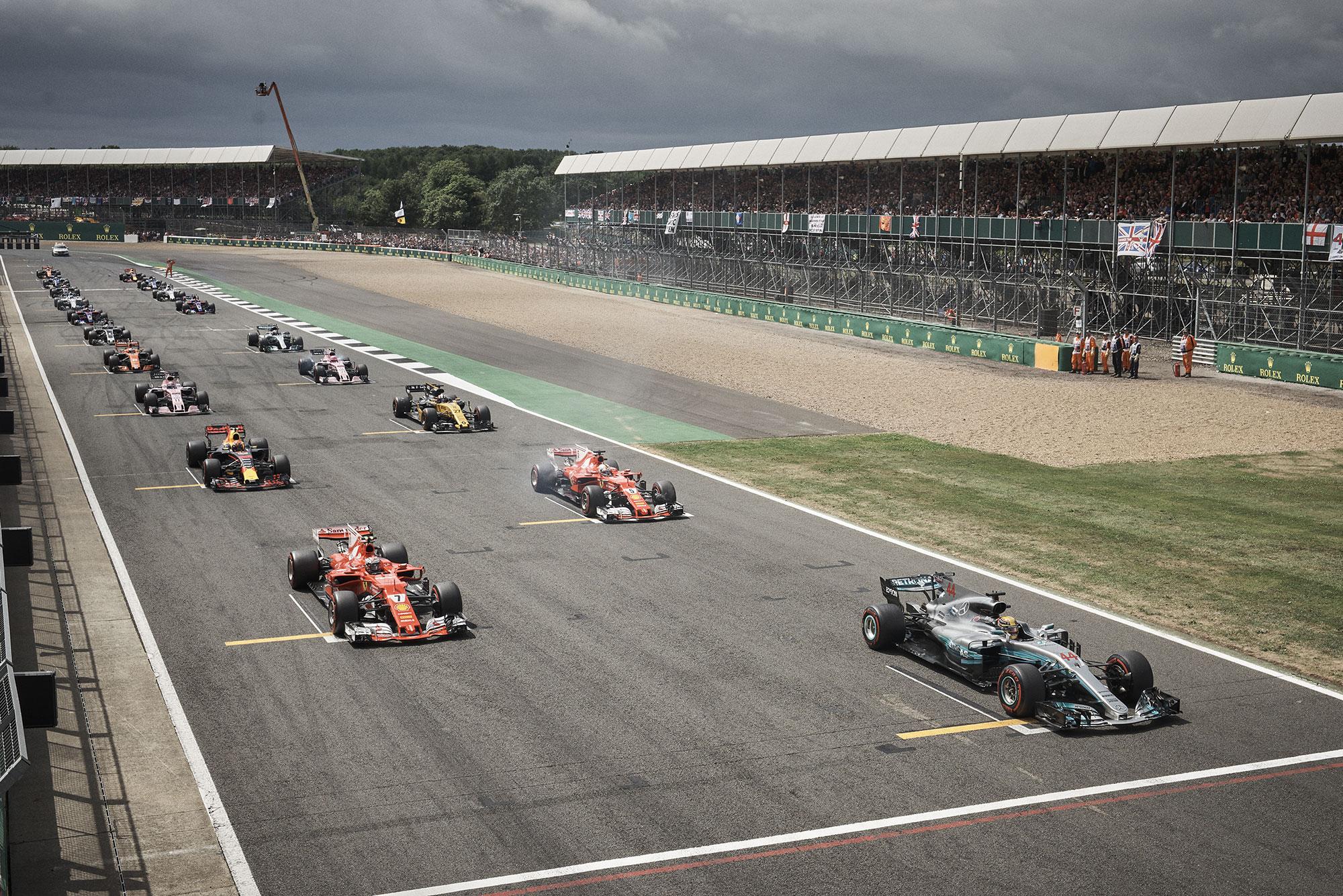 Lewis Hamilton in pole position at Silverstone Grand Prix 2017